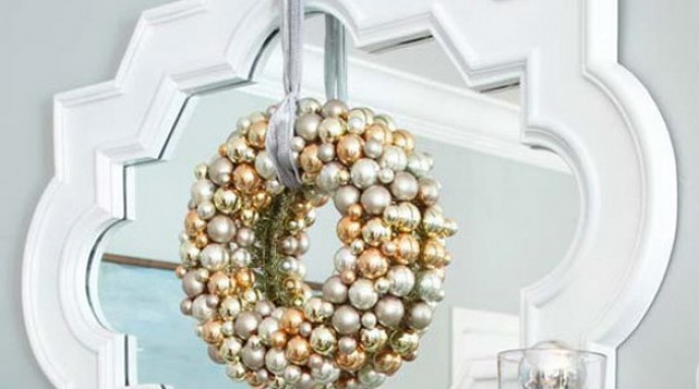 How to turn your Mirror into Holiday Decor