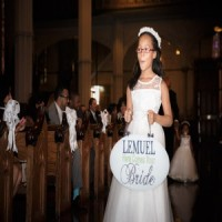 Kids in Weddings: A sign says it all…
