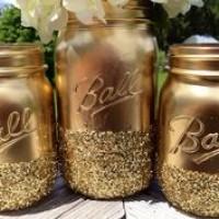 DIY Holiday Decoration:Spray painted Mason jars