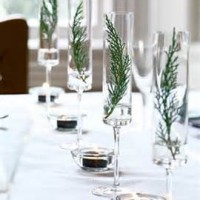 Simple & Classic Holiday Centerpieces
