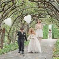 Kids in Weddings:Balloons