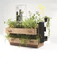 Recycled furniture- Part 1:Dresser Planter