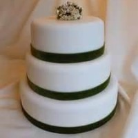 Wedding Cake styled with Emerald Ribbon